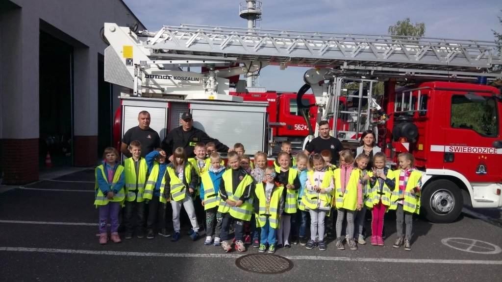 Nasza Jedyneczka z wizytą u strażaków w Świebodzicach