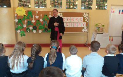 Wizyta Księdza Biskupa w szkole